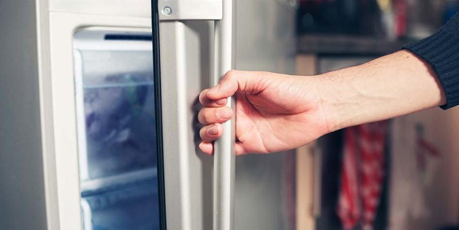 Sudahkan Anda Tutup Pintu Lemari Pendingin Anda Hari Ini?