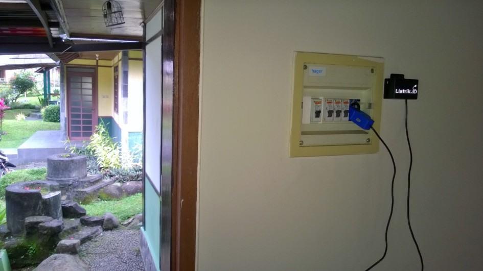 Solusi Monitoring Listrik Untuk Rumah Peristirahatan Yang Jarang Ditinggali