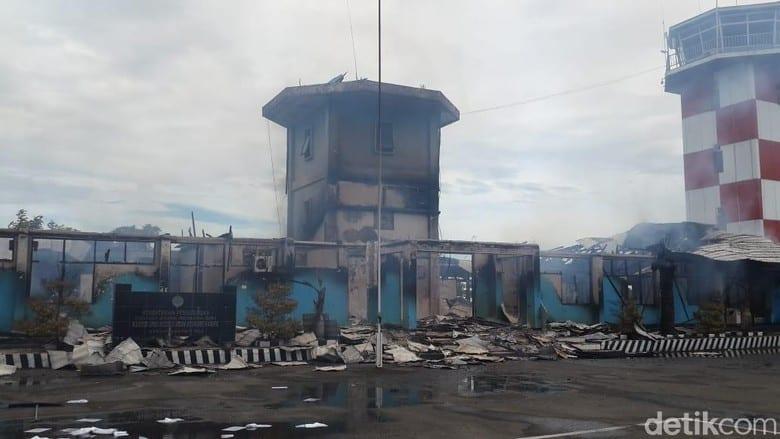 Kebakaran Bandara Nabire Papua